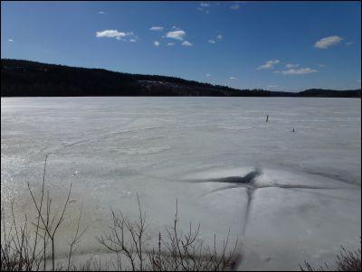 Isen låg tjock ännu!