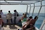 Vi följdes som åt 2 båtar och lämpligt med folk